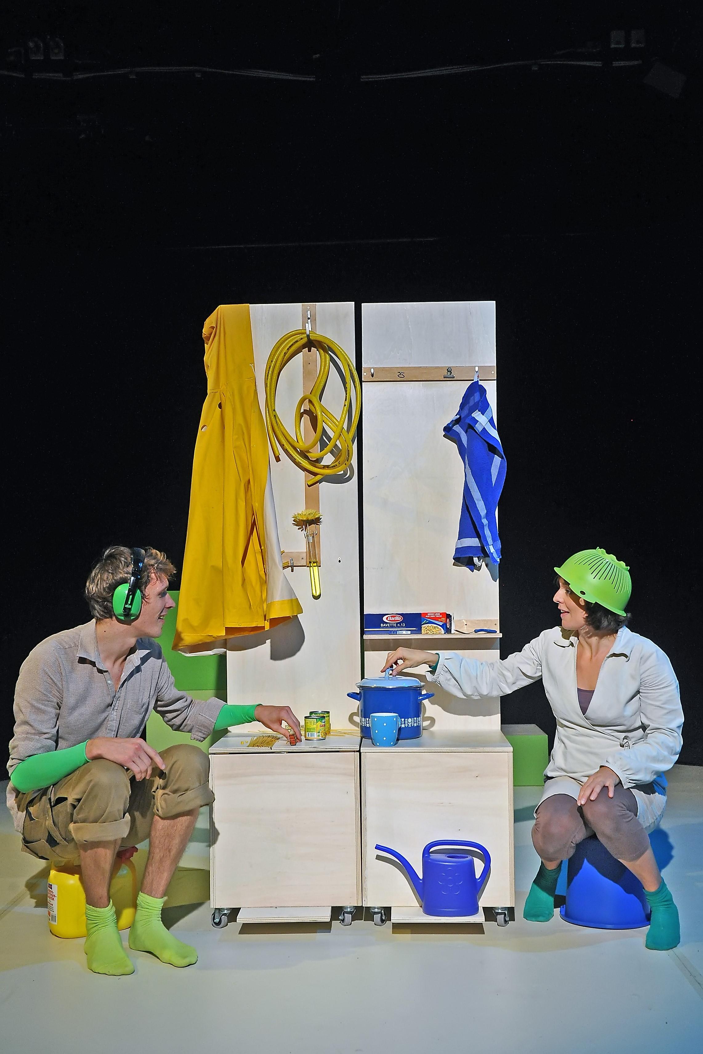 THEATER KARO ACHT  –  THEATER FUR NIEDERSACHSEN – Das kleine Blau und das kleine Gelb –