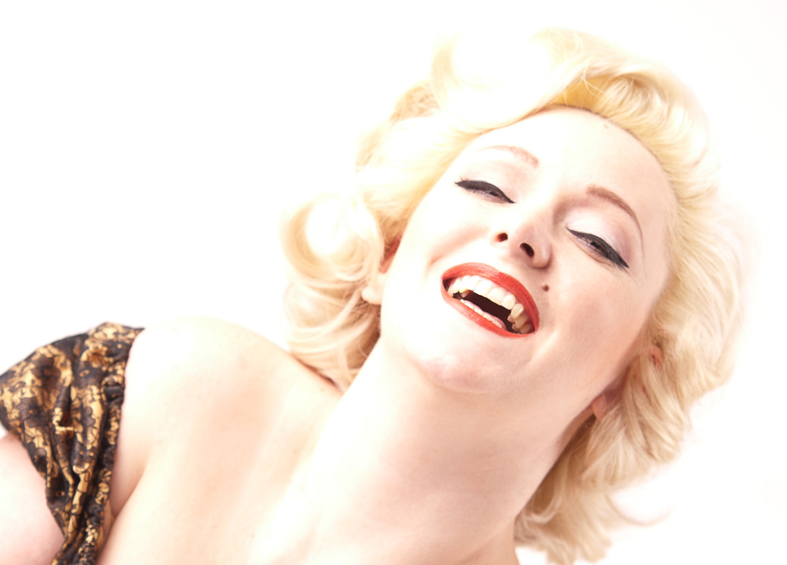 Scarlett-Blackdress101