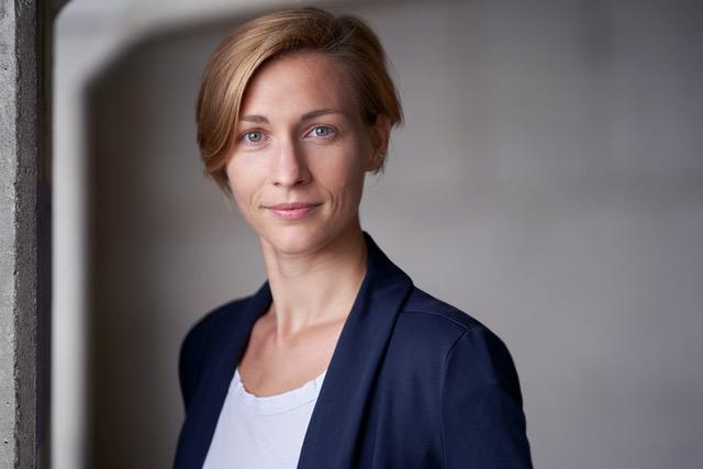 Dr. Ana Honnacker